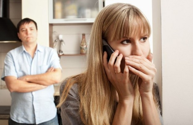 Муж звонит жене видео измена