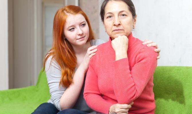 Сын застукал маму она его наказала с подружкой фото 517-246